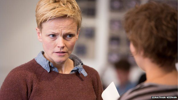 Maxine Peake rehearsing for Hamlet - More Actesses Should Play More Male Roles