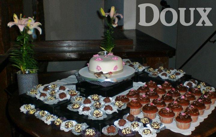 Kit festa - bolo, cupcakes e brigadeiros