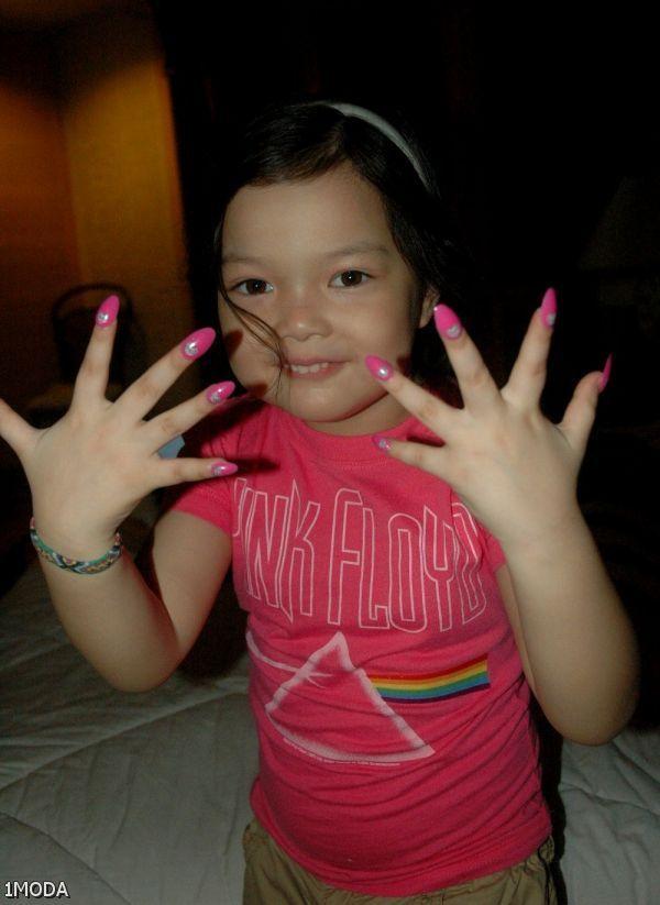 Little Girls With Acrylic Nails - http://www.mycutenails ...