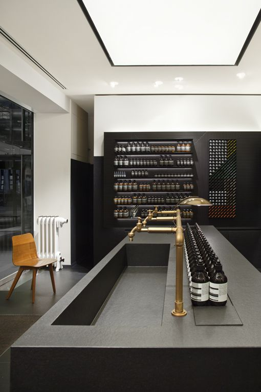Aesop store in Stuttgart. Designed by Munich-based architecture group Einszu33.