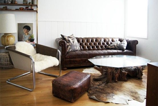 Light walls to counterbalance a dark leather couch