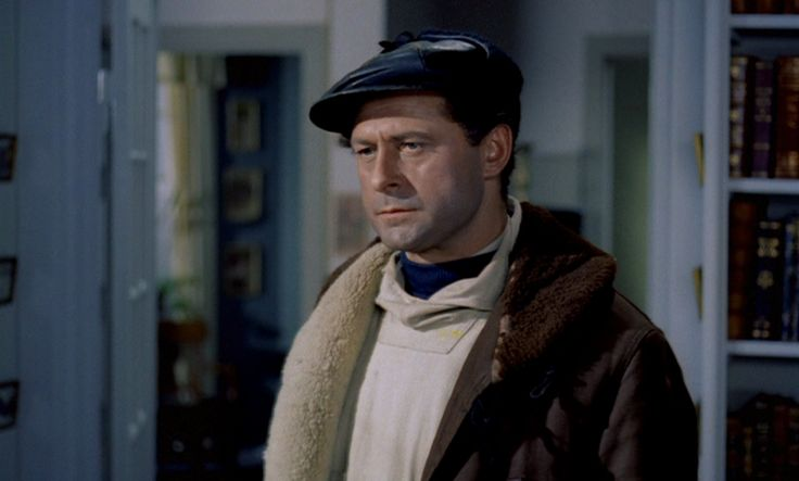 som udstedsbestyrer Jens Lauritzen, i Qivitoq - fjeldgængeren fra 1956.