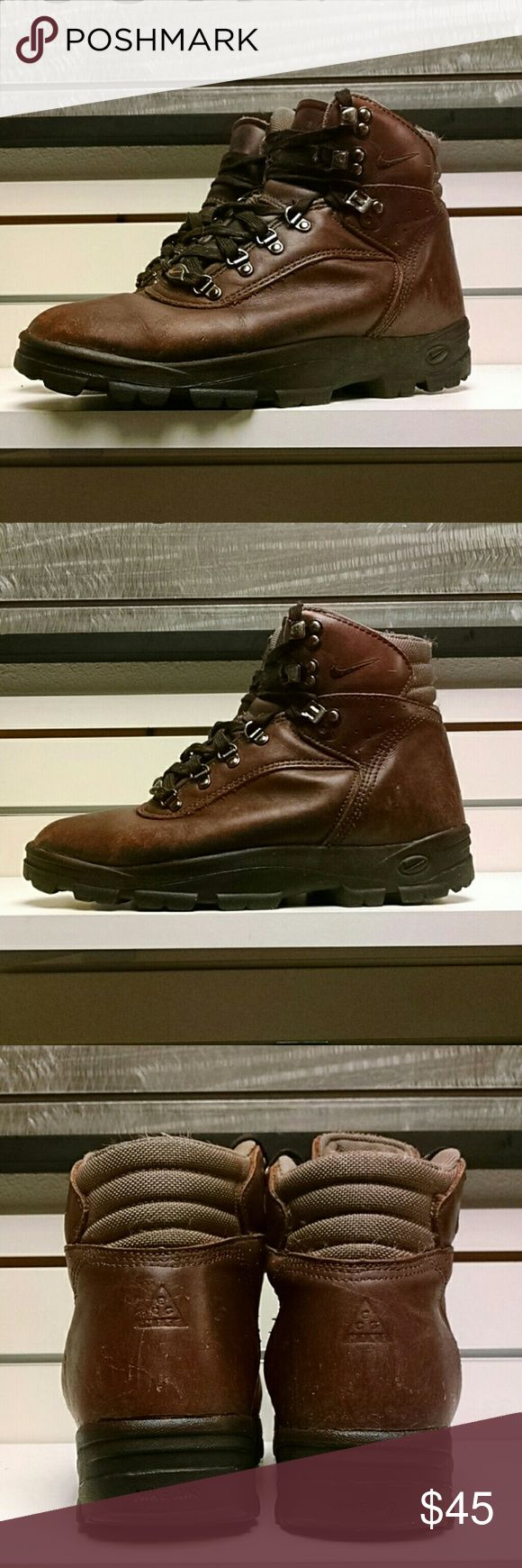 Nike Thinsulate Thermal Boots Mens size 10 Nike  Thinsulate boots men's size 10. Upper Leather in excellent condition and Soles show no noticable wear. Nike Shoes Boots