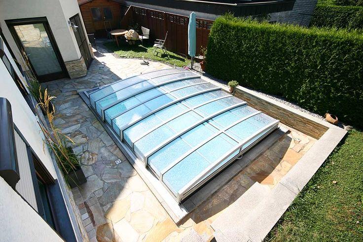 Flache Schwimmbadüberdachung für den Pool – Modell Bruckner