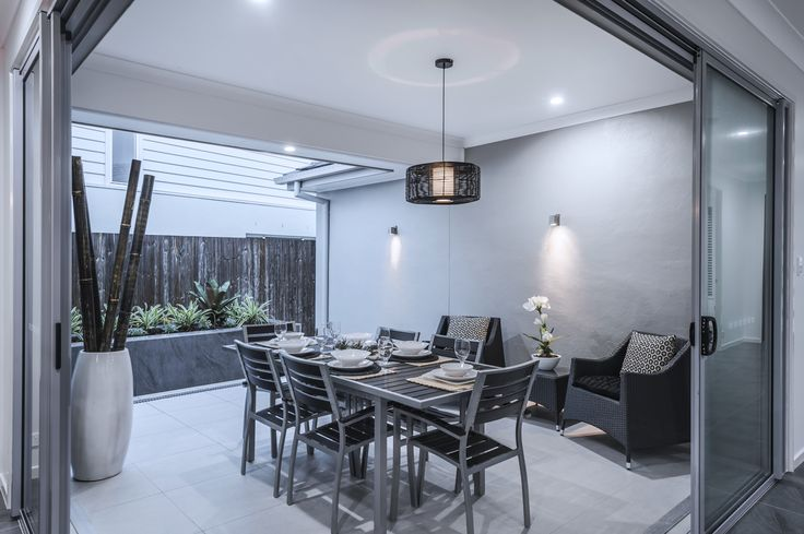 #Alfresco #design #ideas from #Ausbuild's Allendale display #home. These large #glass #sliding #doors create a seamless flow from #indoor #entertaining to #outdoor.