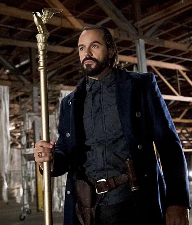 Vandal Savage has a lot of descendants in DC's Legends of Tomorrow television series