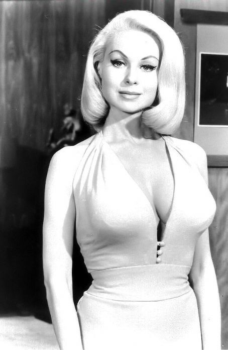 Joi Lansing On The Bob Cummings Show C Late 1950 S