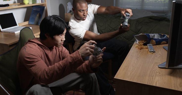 Como salvar nos cartões de memória com o emulador PSX. O emulador PSX lhe permite jogar jogos de PlayStation 1 no seu computador. Ele está projetado para salvar os dados do jogo no cartão de memória emulada, da mesma forma que os dados do jogo são salvos em um console PlayStation 1 no cartão de memória física.