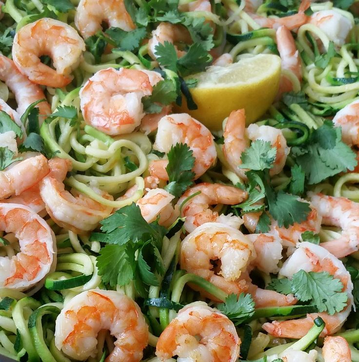 Creative Clean Dinners Shrimp Zoodles with Cilantro and Garlic http://cleanfoodcrush.com/shrimp-zoodles
