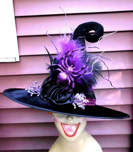 Decorated Witch Hat by Laughter and Lemondrops, via Flickr