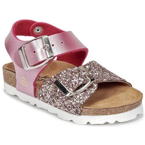 Dankzij deze roze sandaal kan de zomer van je kind niet meer kapot! Van Citrouille et Compagnie natuurlijk! De synthetische sandalen zijn voorzien van rubberen zolen en maken je look heel modieus af.   1,2,3... Shoppen! - Kleur : Roze - Schoenen Kind € 34,99