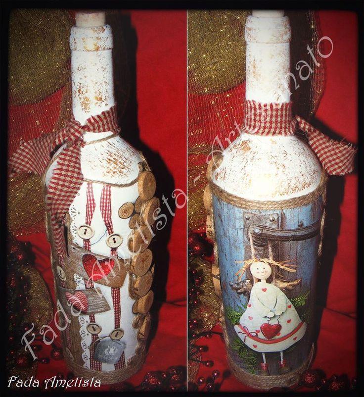 Garrafa decorada com motivos natalícios. https://www.facebook.com/FadaAmetista/photos/a.1695705877413545.1073741860.1589593488024785/1695710527413080/?type=3&theater
