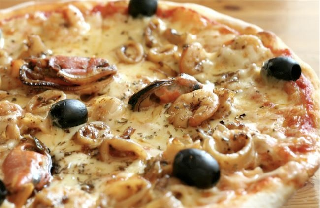 Pizza with fresh seafood