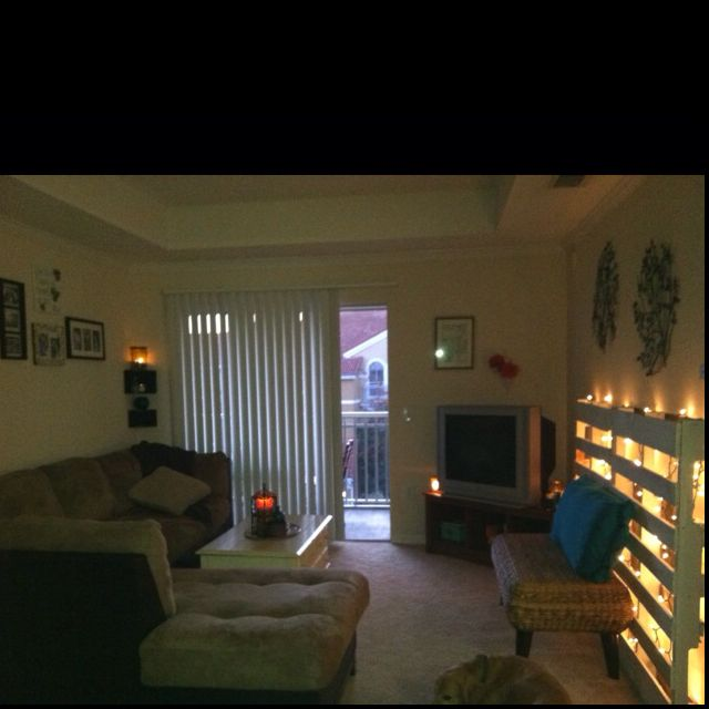 College Apartment Living Room: College Apartment Livingroom Pallet Lights I Love The