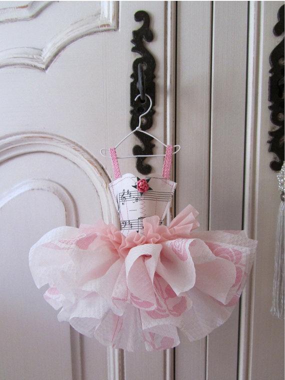 paper dress-I would scrap this
