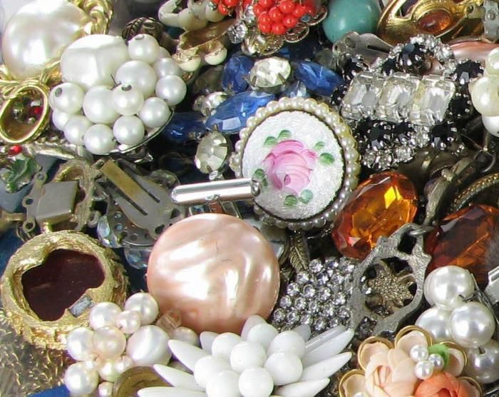 Craft Ideas for using Old Vintage Jewelry Pieces