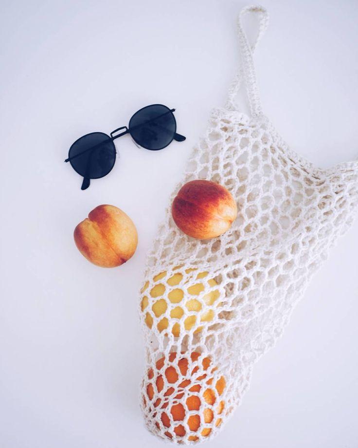 Kun en mistään löytänyt täydellistä trendi-verkkokassia tein sitten sellaisen itse . . . . . . #netbag #diy #summer #fruity