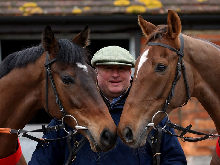 Zarkandar (left) and Silviniaco Conti with trainer Paul Nicholls.