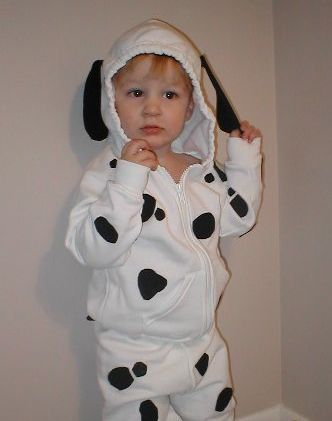 Animal costumes are easy to make homemade for Halloween. You can get sweats at Walmart for $3-$5 each piece, or check your thrift store for solid color clothing you can use. Sweats will keep your ...