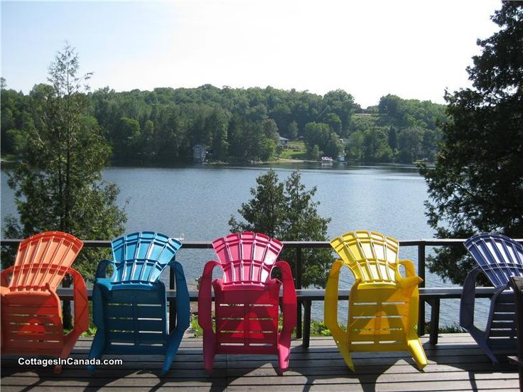 La Peche, QC: Wonderful Chalet right on the lake - only 30 minutes from downtown Ottawa in the Gatineau Hills!!!  Very clean, comfortable cottage!   Canoe, Kayak, Pedal Boat  ...