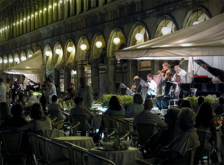 Cafe in Piazza San Marco, Venice, Italy.