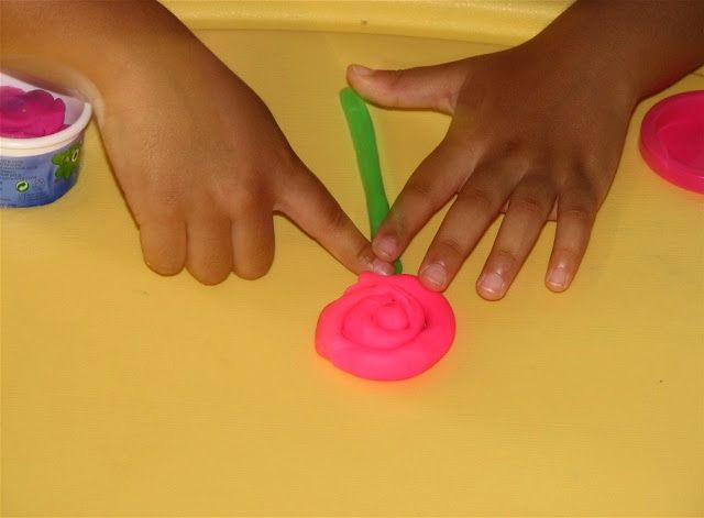 Play Dough Flowers !! ~ Putti's World -kids-activities