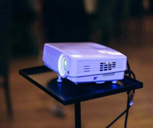 best projectors under 1000, best office projector under 1000