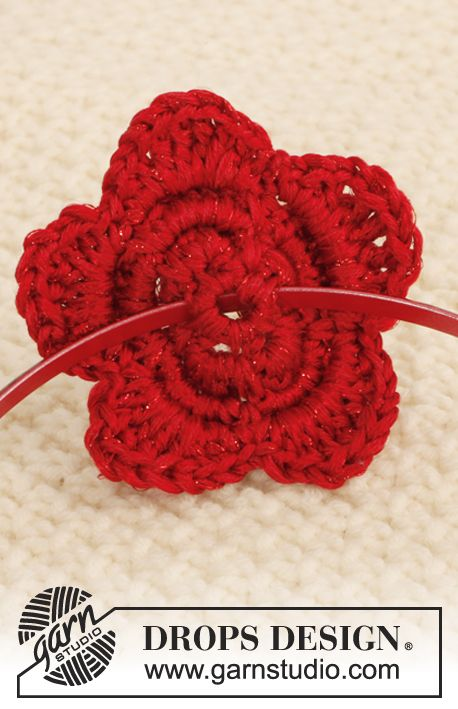 "Crochet DROPS flower with 4 layers in ""Cotton Viscose"" and ""Glitter"" ~ DROPS Design"