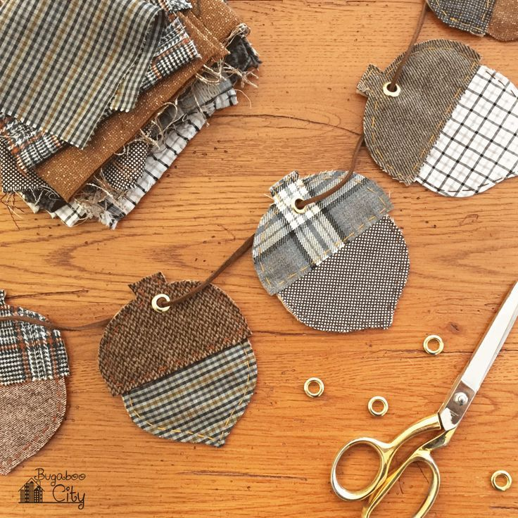Use scraps of natural and fall colored fabric to create a decorative garland with the Autumn Acorn Banner tutorial.