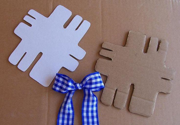 Šablona pro výrobu mašlí Šablona na mašle, vyrobená z kartonového a tvrdého papíru, součástí jsou dvě šablonky a návod na výrobu. Šablonka pro výrobu mašlí a mašličky budou jedna jako druhá.