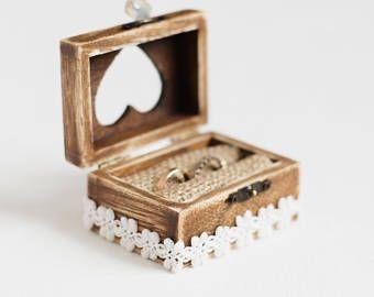 Caja del anillo de boda, anillo caja de boda, caja de madera boda, sostenedor del anillo, caja del portador del anillo, compromiso caja, rústico anillo portador, caja con encaje