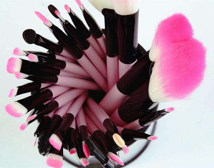 Pro Makeup 32pcs Brushes Set Eyeshadow Eyeliner Lip Brush Powder Foundation