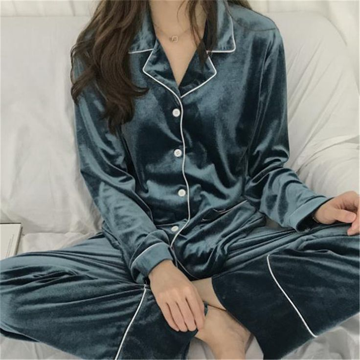 Liva Girl Women's Pajamas Winter Thickening pleuche recreational leisure wear pajamas for women. Yesterday's price: US $48.80 (40.35 EUR). Today's price: US $40.99 (33.75 EUR). Discount: 16%.