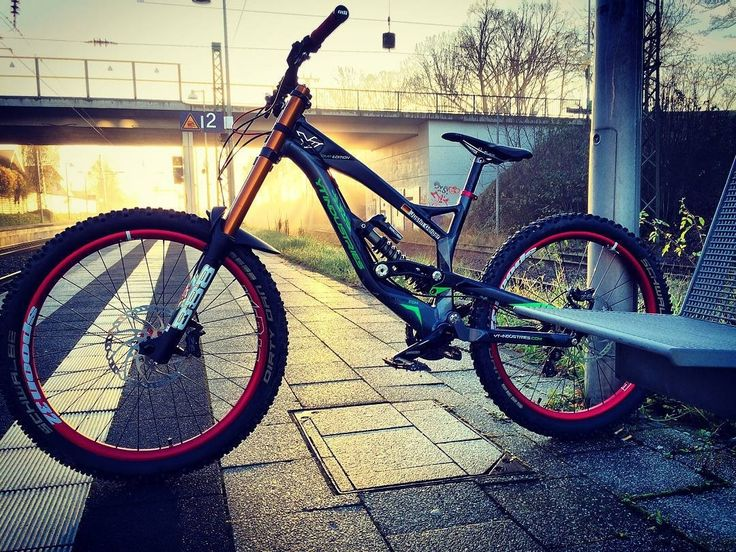 236 Best Awersome Bikes Mtb Dh Fr Slopestyle Images On Pinterest