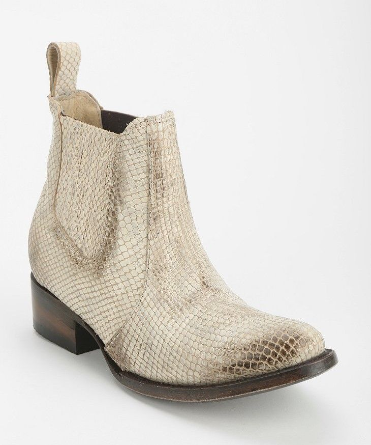 FREEBIRD BY STEVEN SHOES LASSO BOOTIES PULL ON ANKLE BOOTS WHITE SNAKE 8 #FreebirdBySteven #AnkleBoots #Casual