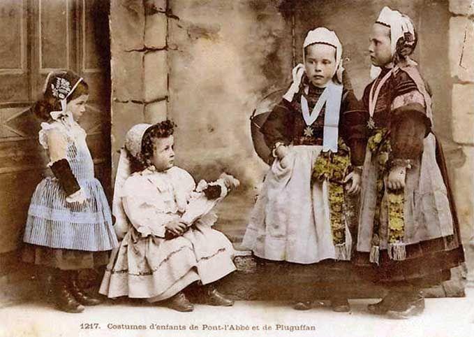 Costumes d'enfants de Pont-l'Abbé et de Pluguffan | Finistère Bretagne