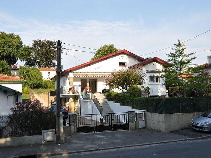 Anglet, Maison de vacances avec 5 chambres pour 12 personnes. Réservez la location 1202099 avec Abritel. Idéal 2 familles 2 appartements dans villa rénovée 2013 jardin 700 m2