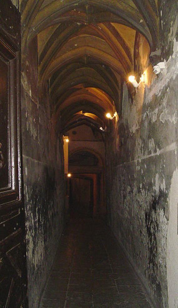 TRABOULES SECRET PASSAGES  Hundreds of hidden passageways weave through the old quarters of Lyon