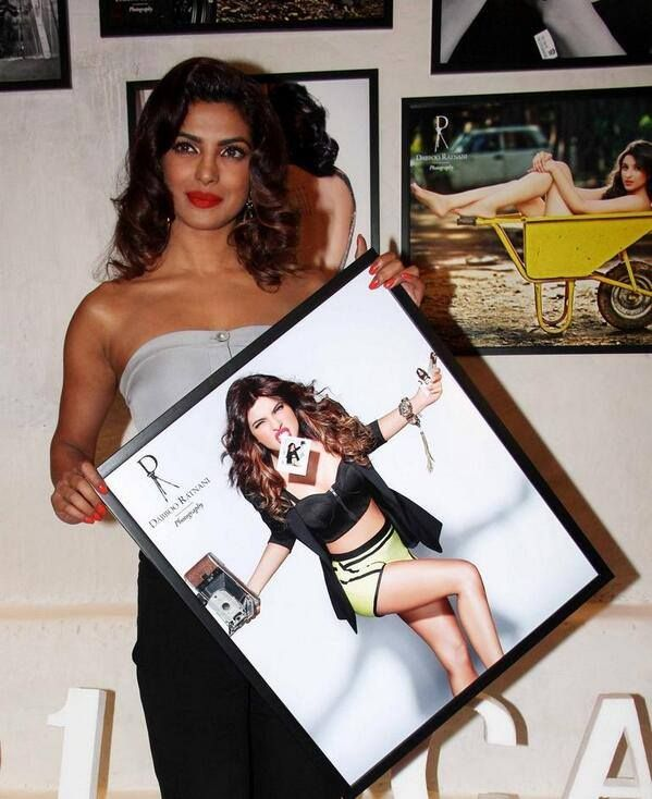 From Team Priyanka: Here's vivacious Priyanka Chopra unveiling her shot at Daboo Ratnani's 2014 calendar launch.