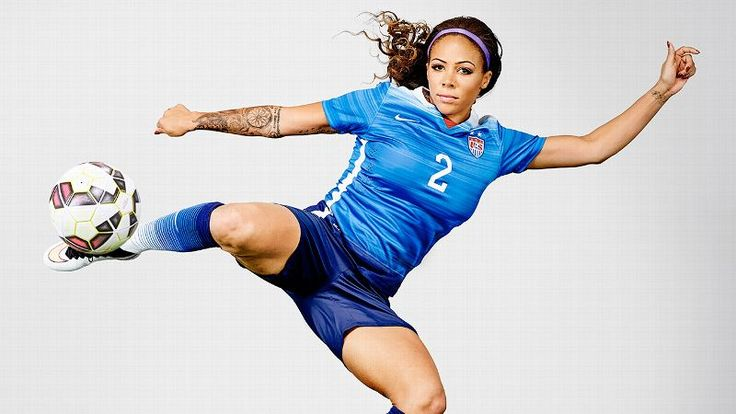 Please Don't Follow Sydney Leroux's Makeup Tips…what a nut! <3