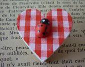 Magnet coeur bois et coccinelle bois. : Accessoires de maison par laboiteabijouxnanny