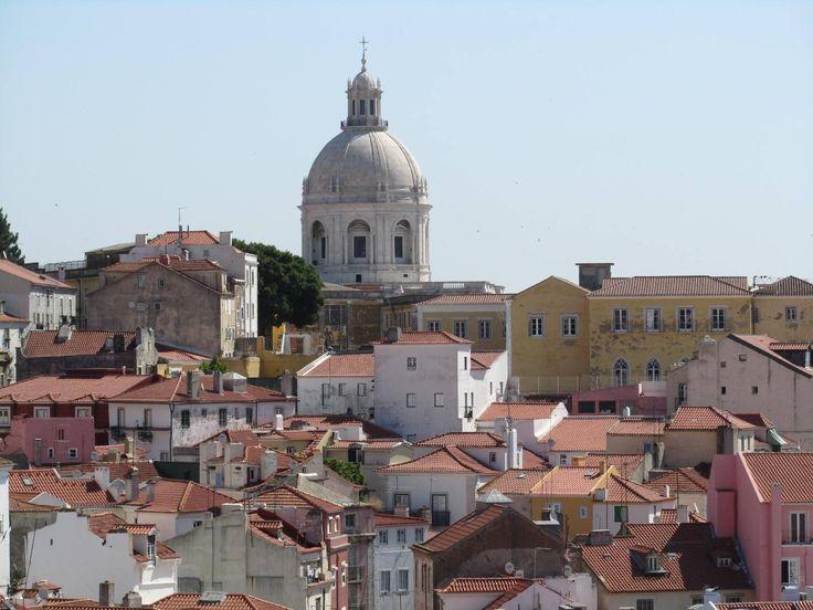 Après deux semaines passées en solo au Portugal, et malgré les mésaventures dans mon auberge de jeunesse, il me tardait de vous faire un petit résumé de mes impressions sur Lisbonne, qui fut ma pre…