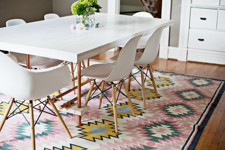 Diy dining room table with copper legs d co for Round table legs diy