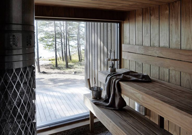 Enchanting views, the shaded light and experiencing unbroken peace. This stunning Finnish saunas can be found in the cottages