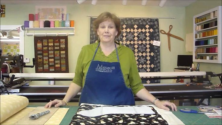 http://missouriquiltco.com - Jenny Doan shows us how to whip up a fast and easy Christmas stocking. Clieck below to see our Christmas Fabrics: http://www.mis...