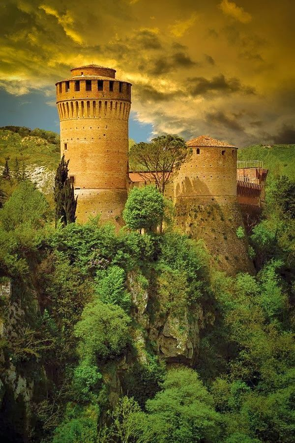 Medieval Fortress of Brisighella - Emilia Romagna, Italy | Brisighella is a comune (municipality) in the province of Ravenna, Emilia-Romagna, Italy. Brisighella borders the following municipalities: Casola Valsenio, Castrocaro Terme e Terra del Sole, Faenza, Forlì, Marradi, Modigliana, Palazzuolo sul Senio, Riolo Terme.  Picture Store