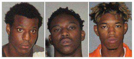 EEUU: 3 jóvenes negros roban armas para atacar a la policía