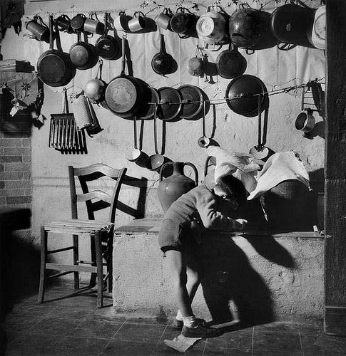 by Werner Bischof. Italy, 1950.