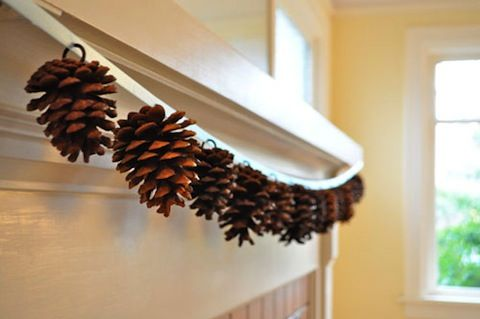 Pinecone Garland-This website is full of Autumn decorations, and they are easy too!