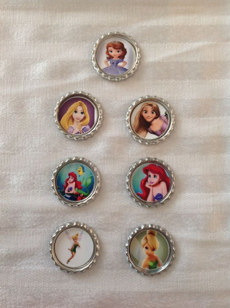 Princess Bottle caps. Can be attached to hair clips, elastics, headbands OR can be made into key chains, backpack clips, necklaces.  Great addition to loot bags/party favours. Images can be customized to match your them. Find us on FaceBook: www.facebook.com/perfectlittleadditions. Contact us via email: perfectlittleadditions@yahoo.ca
